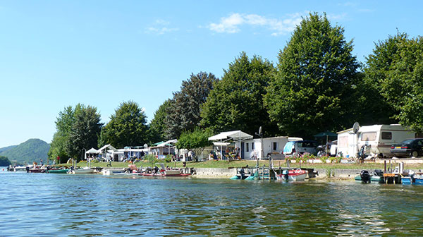 plage bord de lac